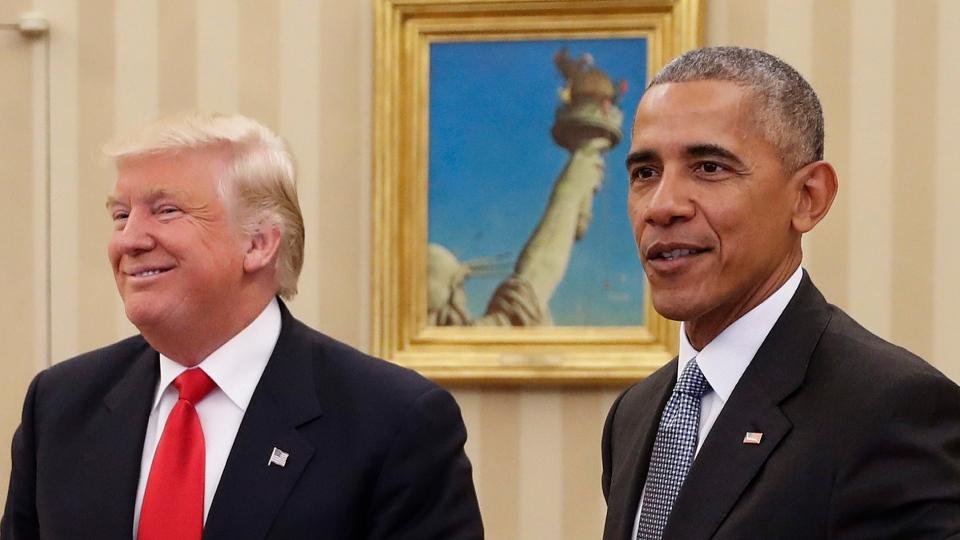 Former U.S. President Barack Obama met with U.S. President Donald Trump in the Oval Office of the White House in Washington, Thursday, Nov. 10, 2016. (AP Photo  /Pablo Martinez Monsivais)
