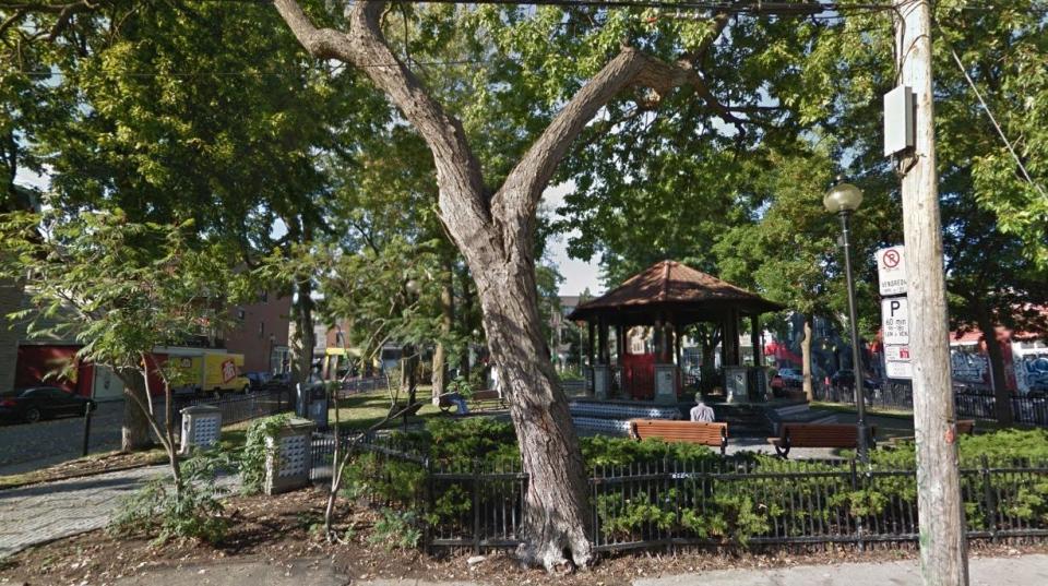 Parc du Portugal, near Leonard Cohen's Montreal home (source: Google Street View)
