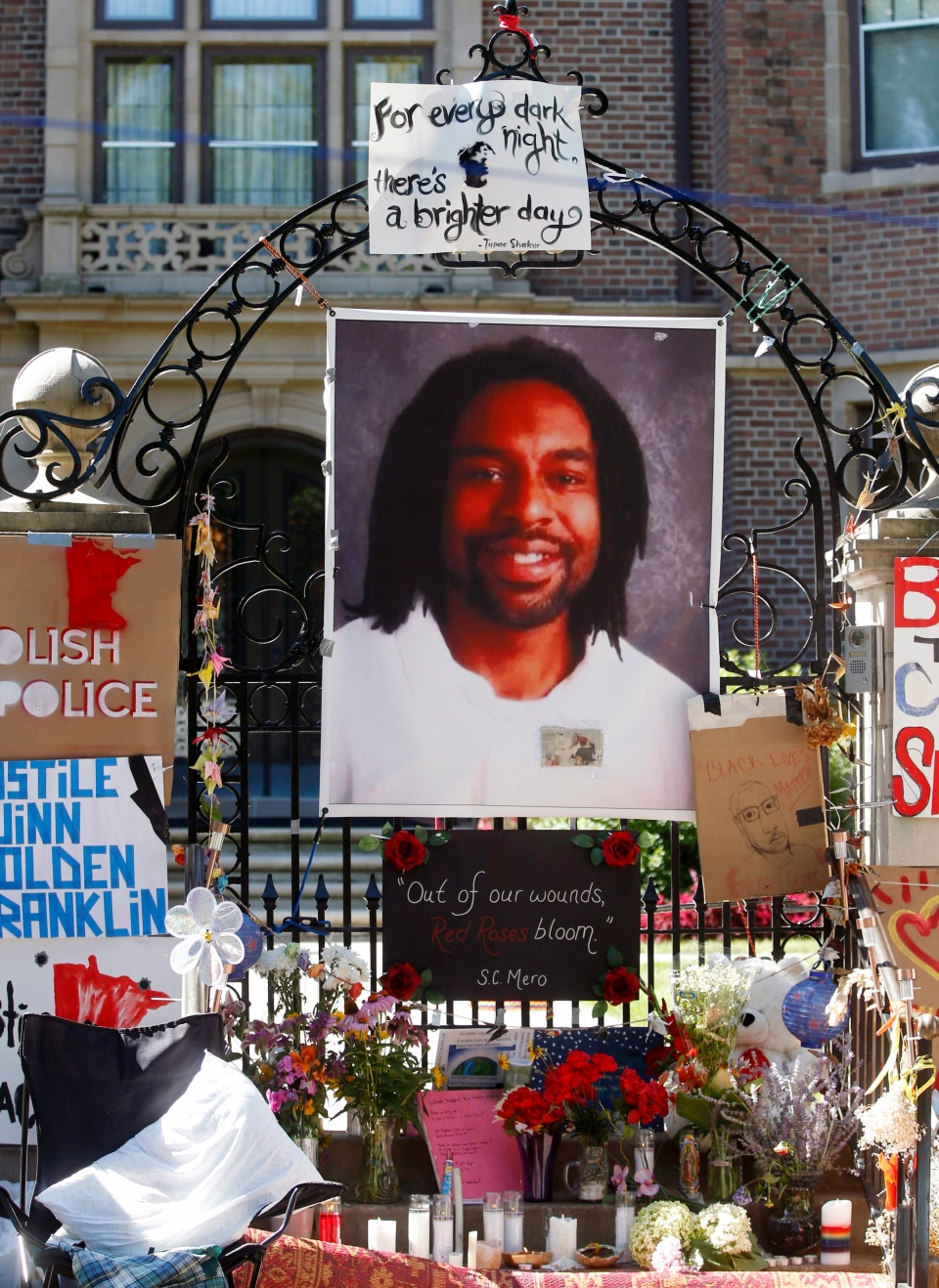 Minnesota officer charged in killing of Philando Castile ...