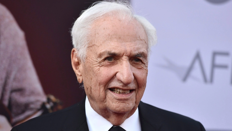 Frank Gehry arrives at the 43rd AFI Lifetime Achievement Award Tribute Gala at the Dolby Theatre on Thursday, June 4, 2015, in Los Angeles. Canadians Gehry and Lorne Michaels are among the recipients of America's highest civilian honour: the Presidential Medal of Freedom. (THE CANADIAN PRESS / AP / Photo by Jordan Strauss / Invision / AP)