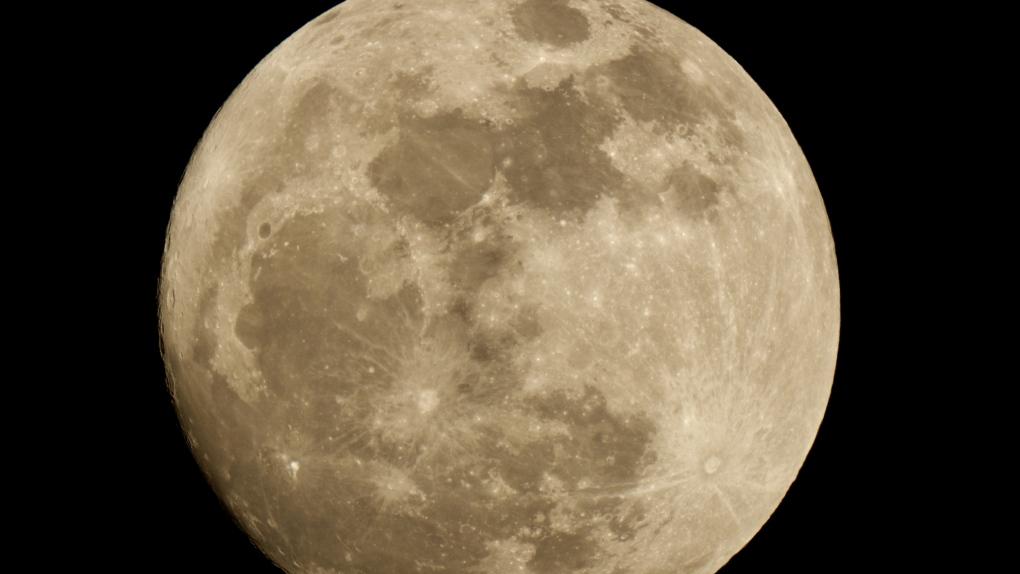 red moon 2019 winnipeg - photo #14