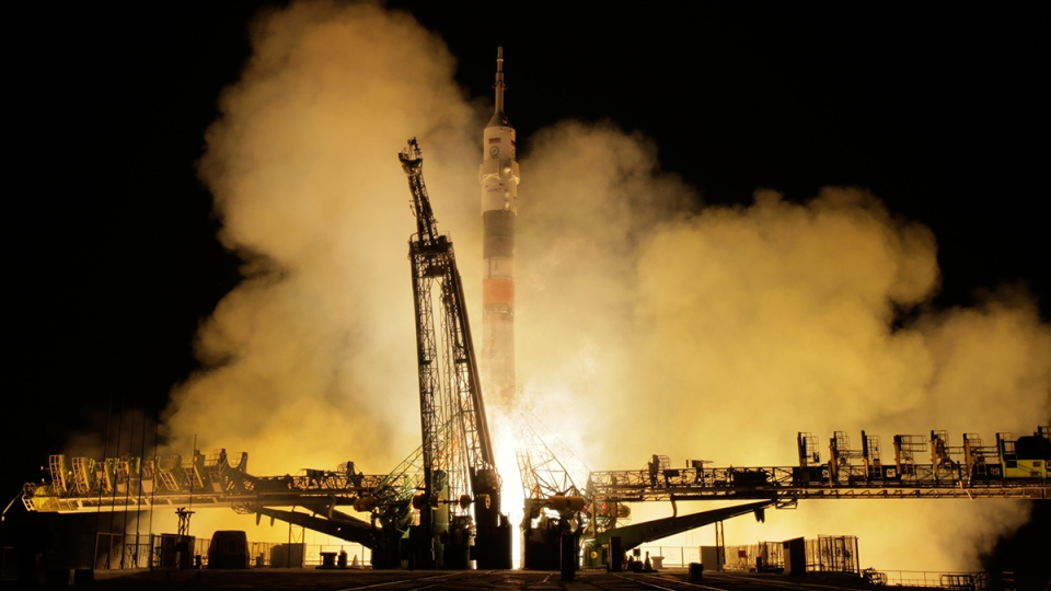 The Soyuz-FG rocket booster with Soyuz MS-03 space ship carrying a new crew to the International Space Station, ISS, blasts off at the Russian leased Baikonur cosmodrome, Kazakhstan, Friday, Nov. 18, 2016. (AP / Dmitri Lovetsky)