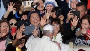 Pope Francis greets faithful at the Vatican, on Nov. 20, 2016. (Gregorio Borgia / AP)