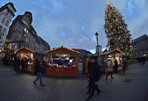 "The U.S. State Department has issued a travel alert warning in the run-up to the end-of-the-year holiday season, warning Americans of a ""heightened risk of terrorist attacks throughout Europe."" (© AFP PHOTO / PATRICK HERTZOG)"