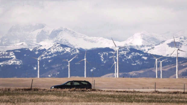 Alberta moves to cap power prices for consumers ahead of system revamp