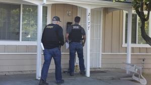 Santa Clara County sheriff's deputies look for jail escapees Rogelio Chavez and Laron Campbell Tuesday, Nov. 29, 2016, in San Jose, Calif. (Nhat V. Meyer/San Jose Mercury News via AP)
