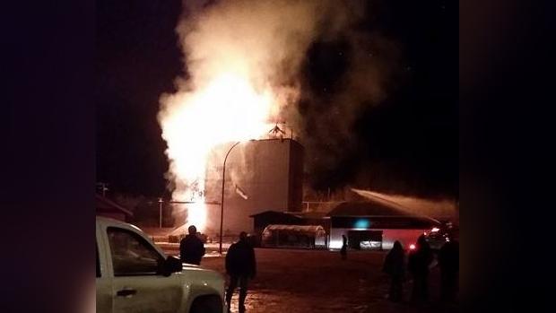 The grain elevator in Turtleford, Sask. burns on Nov. 29. (MAUREEN ASK)