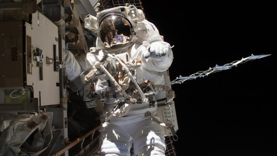 Steve Swanson outside the International Space Station on April 22, 2014. (NASA / AP)