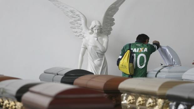 Families prepare to gather victims of plane crash