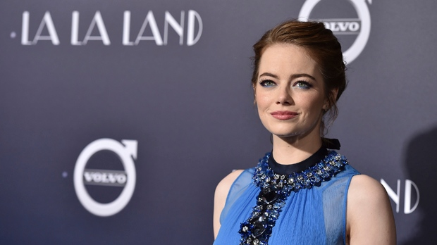 Teen recreates La La Land scene to invite Emma Stone to prom
