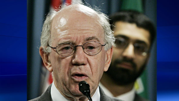 Warren Allmand making comments in regards to the Maher Arar case In Ottawa, Thursday, Sept. 1, 2005. (Fred Chartand / THE CANADIAN PRESS)
