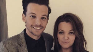 Louis Tomlinson and his mother Johannah Deakin pose for a photo. (Instagram/Johannah Deakin)