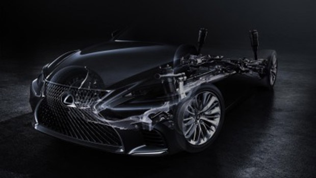 Lexus makes a date with luxury in Detroit