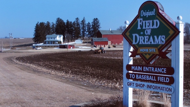 Iowa court clears way for 'Field of Dreams' baseball complex