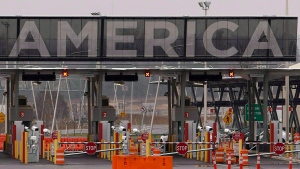The United States border crossing at in Lacolle, Que., is shown on Wednesday, December 7, 2011. (THE CANADIAN PRESS/Ryan Remiorz)