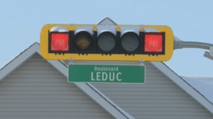 Drivers off the island of Montreal have been allowed to turn right on red lights since 2003