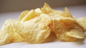 Potato chips are seen in this undated photo (Kate Ter Haar / Flickr)