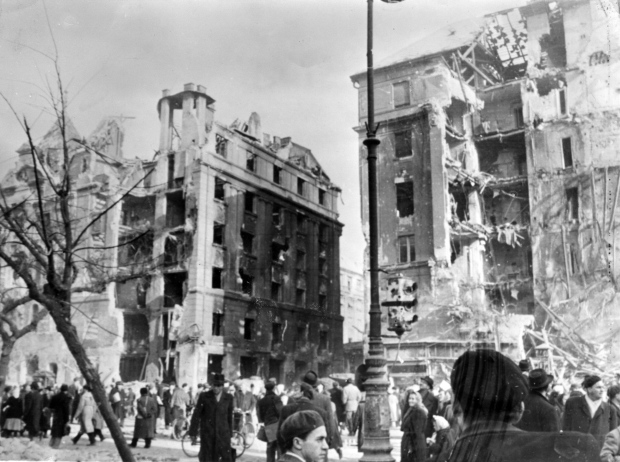 Hungarian Revolution's damaged buildings