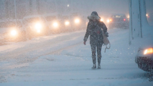 Police report 400 crashes, urge caution Monday morning as storm causes chaos in GTA