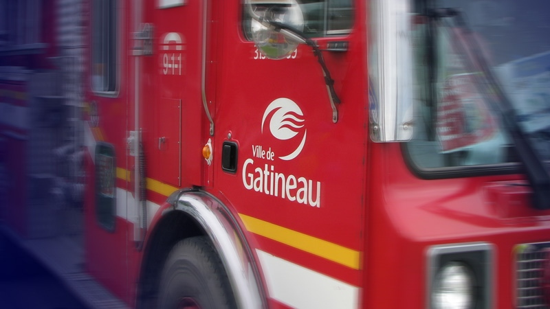 A house fire in Gatineau Saturday morning left five people homeless and a firefighter with minor injuries.