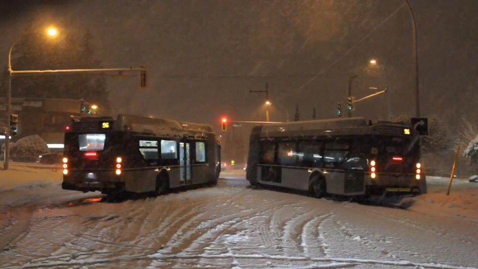 Winter Tires Vancouver >> Should Metro Vancouver Buses Use Snow Tires Ctv News