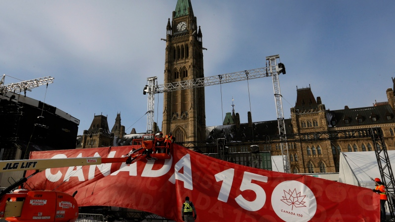 Justin Trudeau visits 'reoccupation' teepee on Parliament Hill