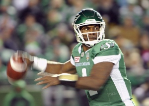 Saskatchewan Roughriders quarterback Darian Durant passes the ball during CFL action against the B.C. Lions in Regina on Saturday, Oct. 29, 2016. The Montreal Alouettes have acquired veteran quarterback Darian Durant in a trade with the Saskatchewan Roughriders. (THE CANADIAN PRESS/Mark Taylor)