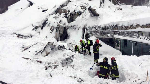 5 reported alive in Italian hotel hit by avalanche