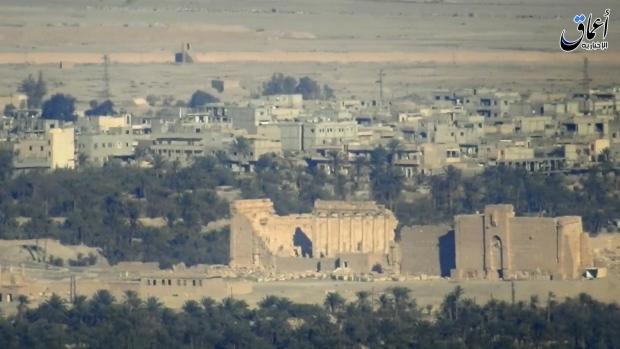Islamic State kills 12 in Palmyra, among them teachers, soldiers - monitor