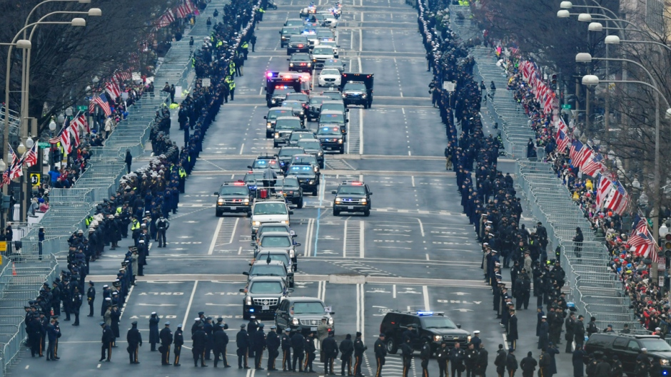 U.S. President Barack Obama and president-elect Donald Trump's motorcade drives down Pennsylvania Avenue for the 58th Presidential Inauguration at the U.S. Capitol in Washington, on Jan. 20, 2017. (Susan Walsh / AP)
