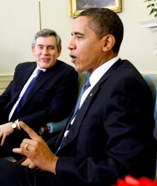 U.S. President Barack Obama meets with British Prime Minister Gordon Brown in the Oval Office of the White House in Washington, Tuesday, March 3, 2009. (AP / Gerald Herbert)