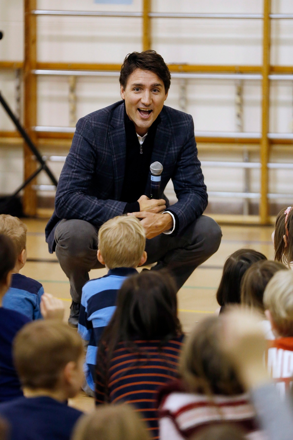 Prime Minister Justin Trudeau visits with staff and students at Robert H. Smith School in Winnipeg, Thursday, January 26, 2017. (John Woods/The Canadian Press)