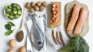 The Mediterranean diet is rich in fruit, vegetables, fish, omega-3 and whole grain cereals. (CharlieAJA/Istock.com)