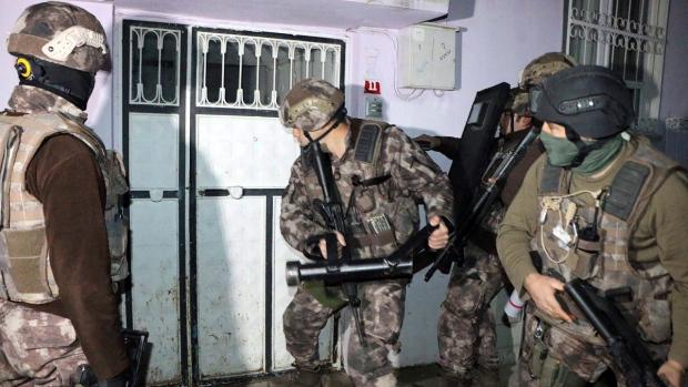 Turkey detains 400 ISIL suspects in nationwide raids