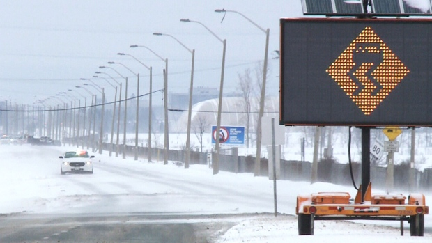 Freezing rain warning in effect for Ottawa, making for a slippery afternoon