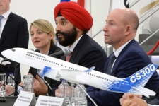 Ottawa to lend Bombardier $375 million