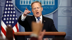 White House press secretary Sean Spicer calls on a reporter during the daily news briefing at the White House in Washington, Thursday, Feb. 9, 2017. (AP Photo / Carolyn Kaster)