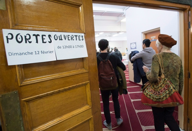 Montreal mosques hold open doors to foster understanding in wake of tragedy & Montreal mosques hold open doors to foster understanding in wake of ...