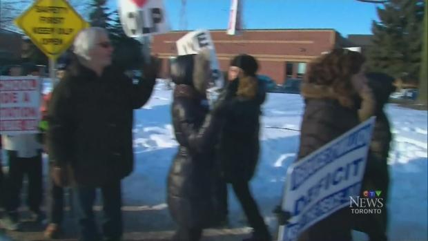 Parents protest closure of York Region school | CTV News Toronto