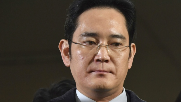 Court orders arrest of Samsung heir