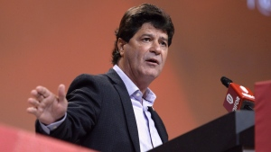 In this Aug. 24, 2016 file photo Unifor President Jerry Dias speaks during the Unifor Convention in Ottawa. (Justin Tang / THE CANADIAN PRESS)