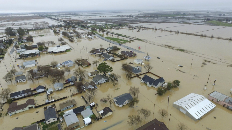 Major flooding is seen in Maxwell, Colusa County, Calif. on Saturday, Feb. 18, 2017. (Hector Iniguez)