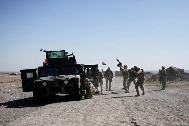 Iraqi forces push into ISIS-held southern outskirts of Mosul