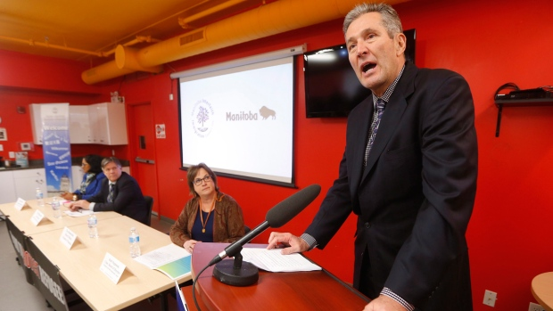 Manitoba Premier Brian Pallister at Welcome Place in Winnipeg, on February 23, 2017. (John Woods / THE CANADIAN PRESS)