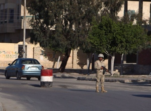 An Egyptian soldier mans a checkpoint in el-Arish, 290 kilometres east of Cairo, North Sinai, Egypt, Saturday, Jan. 31, 2015. (AP)