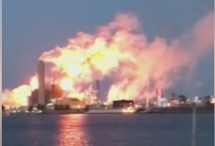 Imperial Oil says operating issue causes flaring. (Courtesy Lisa Pugliano Mrowiec / Facebook)