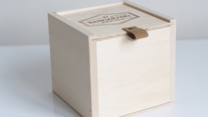The boxes contain 199 cards, each bearing a positive or inspirational saying. (Courtesy gobangarang.com)