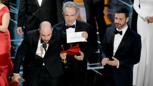 News Minute: Oscar mix-up sees 'La La Land' lose