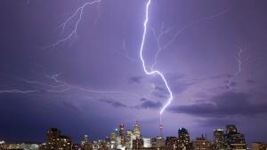 Lightning strikes the CN Tower Sunday August 9, 2009. (THE CANADIAN PRESS / Jim Bradford)