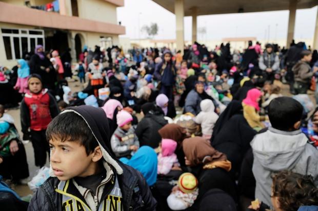 Civilians fleeing Mosul